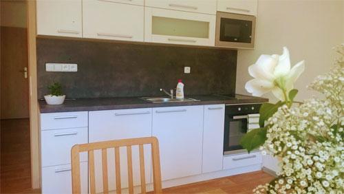 apartman-nad-terasou-kuchyn