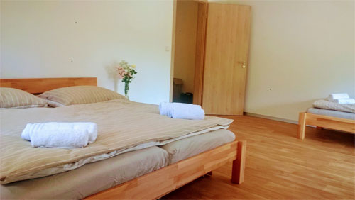 apartman-nad-terasou-loznice